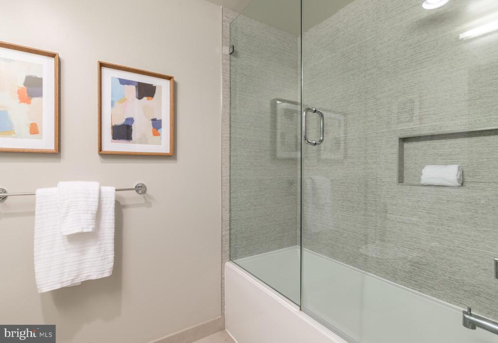 Shower/Tub Combo - 1311 13TH ST NW #T09, WASHINGTON