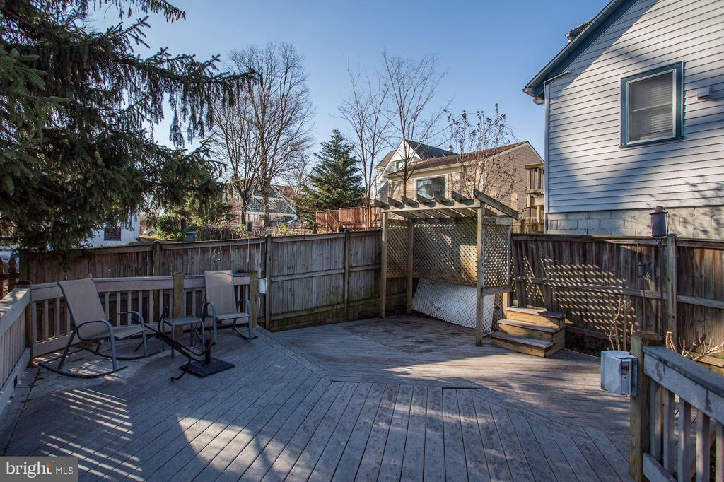 Back yard deck - 4118 LEE HWY, ARLINGTON