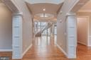 Impressive entry foyer - 17066 WINNING COLORS PL, LEESBURG