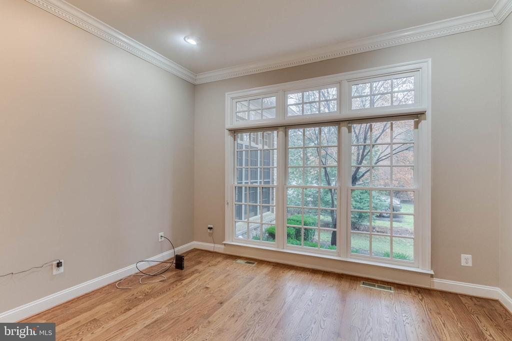 beautiful windows in study - 17066 WINNING COLORS PL, LEESBURG