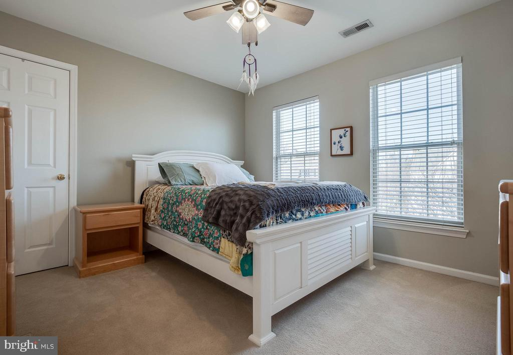 Spacious Secondary Bedrooms - 43265 KATIE LEIGH CT, ASHBURN