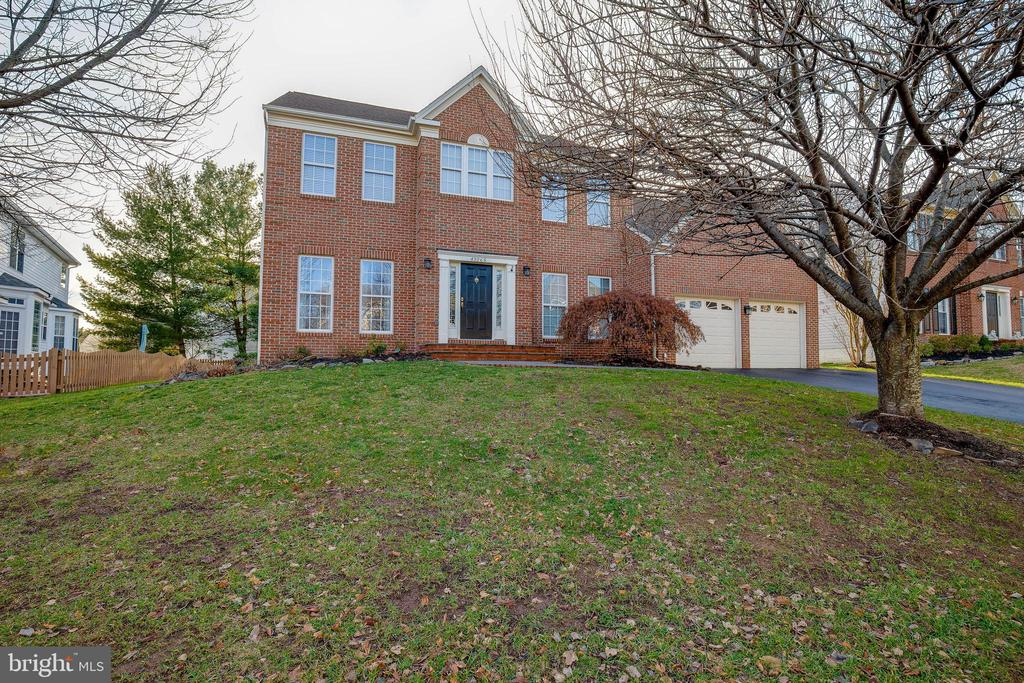 Welcome Home to Alexandra's Grove! - 43265 KATIE LEIGH CT, ASHBURN