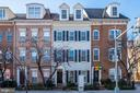Capitol Hill Rowhome - 605 7TH ST SW, WASHINGTON