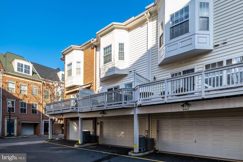 Garage Parking - 605 7TH ST SW, WASHINGTON