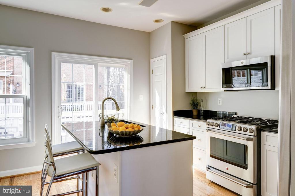 Bright Kitchen with Island - 605 7TH ST SW, WASHINGTON