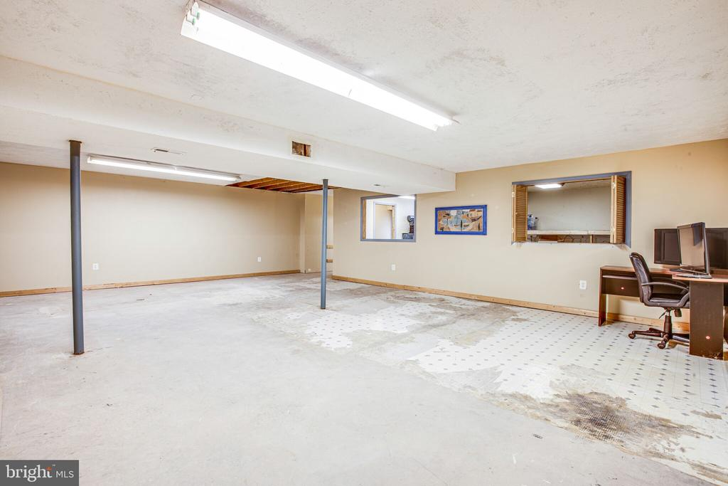 UNFINISHED LOWER LEVEL LARGE ROOM - 7311 MIDDLETON DR, FREDERICKSBURG