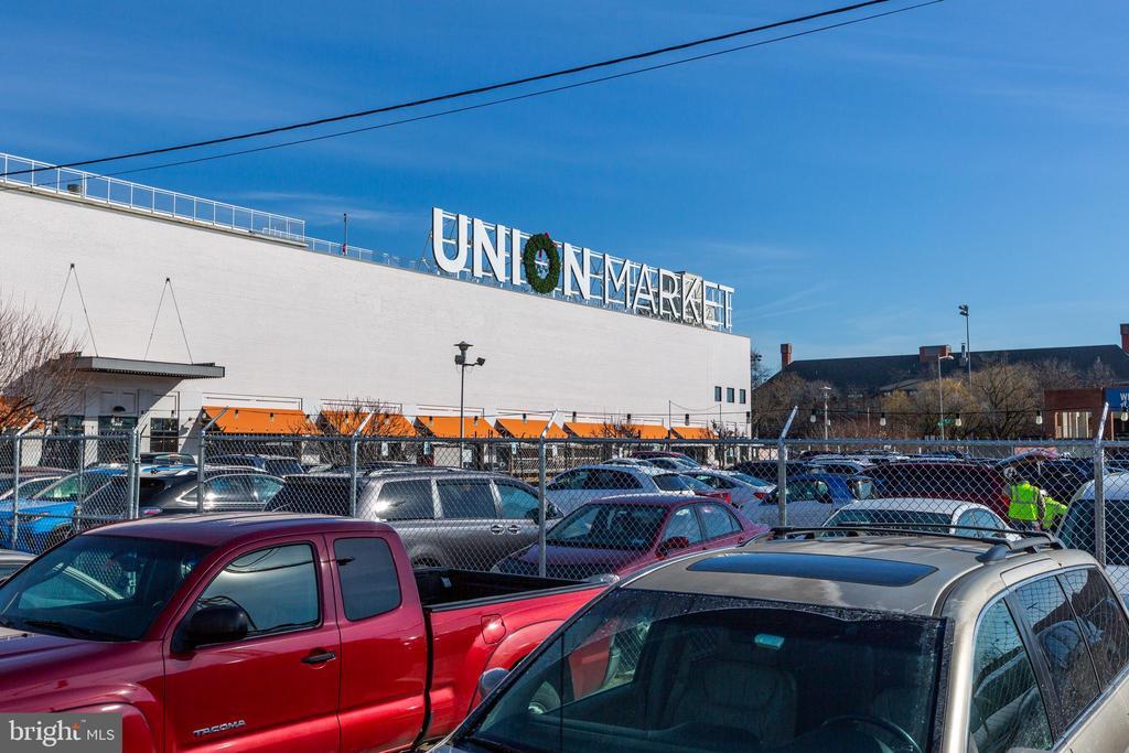 Minutes to Union Market, H St. Corridor and more! - 2109 M ST NE #9, WASHINGTON