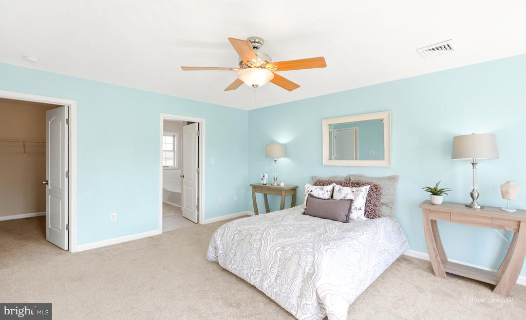 Master suite.  2 large closets and on-suite - 3812 SAINT CLAIR CT, MONROVIA