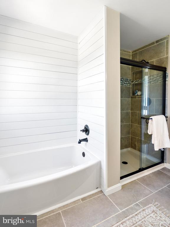 Master Bath - 3812 SAINT CLAIR CT, MONROVIA