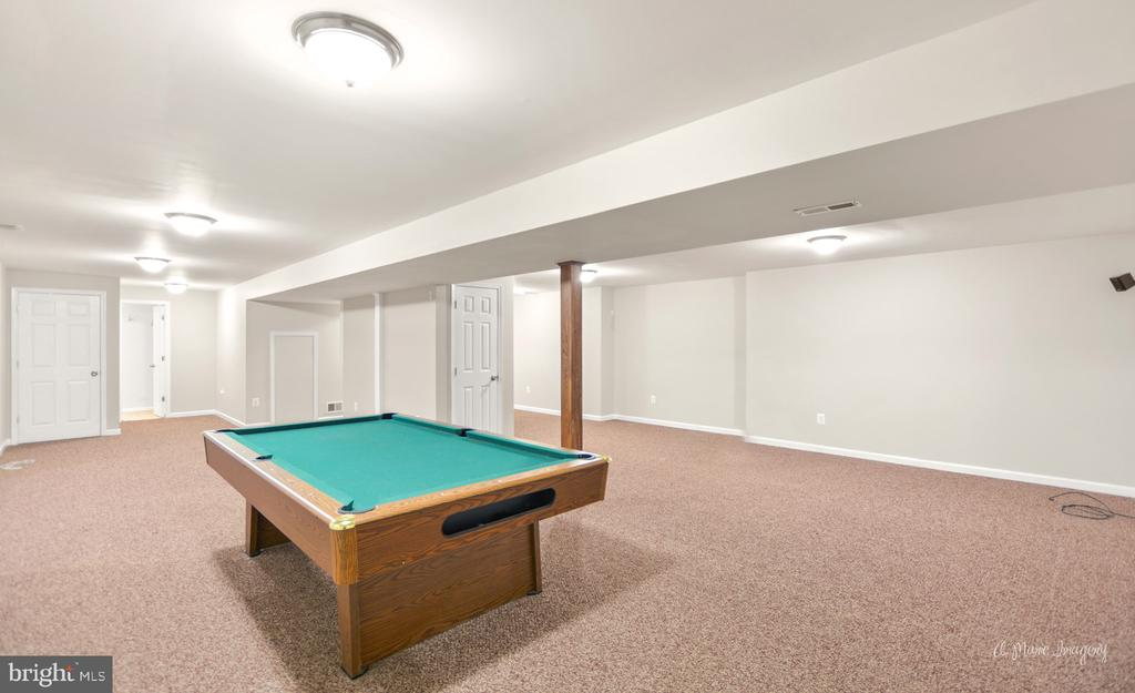 Large finished basement with Full Bath - 3812 SAINT CLAIR CT, MONROVIA