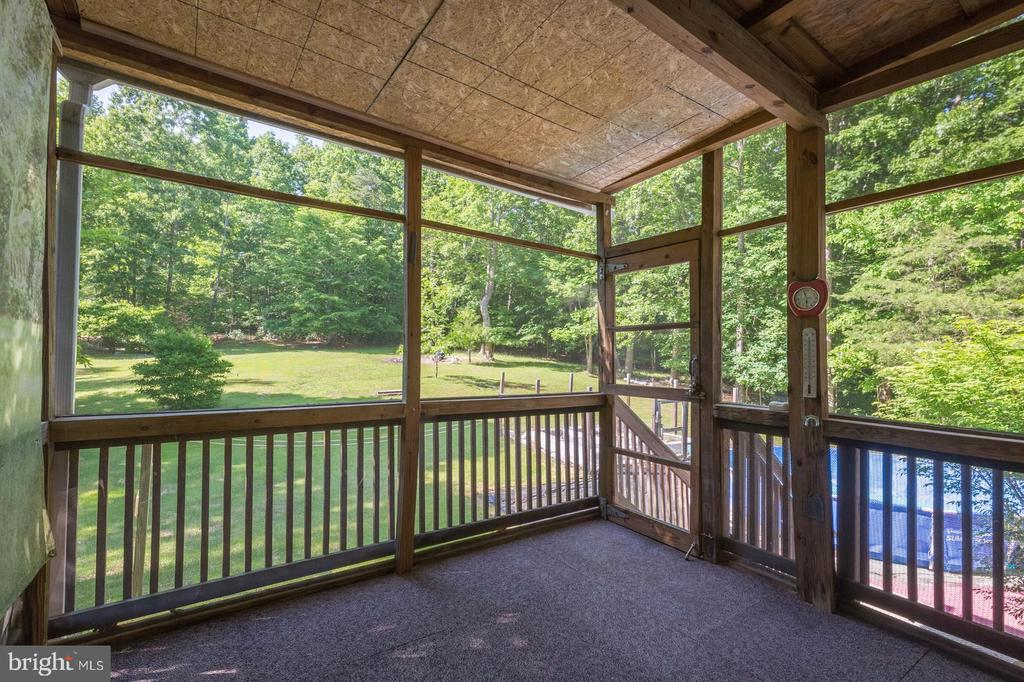 Screened Deck Off Of Kitchen - 135 LADY JANE LN, FREDERICKSBURG