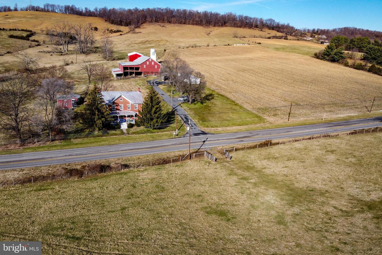 Single Family Homes 為 出售 在 Mount Sidney, 弗吉尼亞州 24467 美國