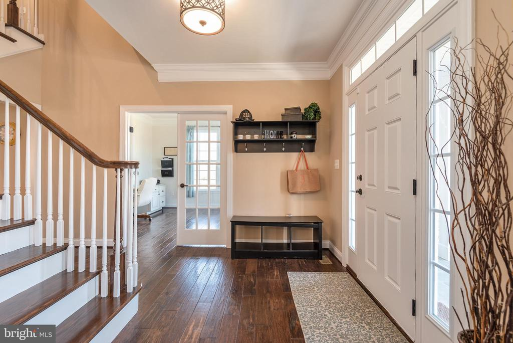 Foyer - Looking to First Floor Office - 8124 TWELFTH CORPS DR, FREDERICKSBURG