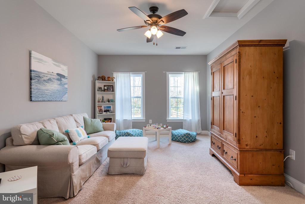 Upper Level Teen Suite / Family or Bonus Room - 8124 TWELFTH CORPS DR, FREDERICKSBURG