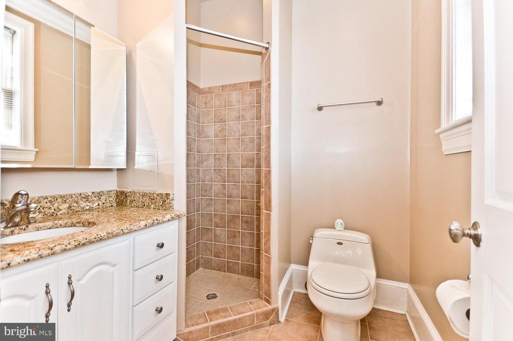 Full Bathroom #2 - 2710 24TH ST NE, WASHINGTON