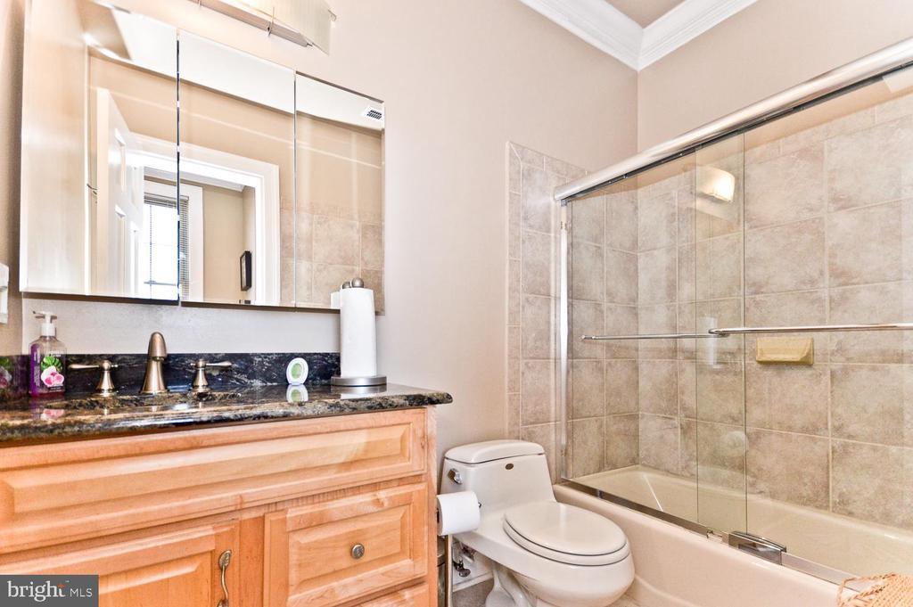 Full Bathroom #3 - 2710 24TH ST NE, WASHINGTON