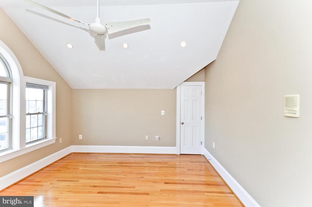 4th Level Bedroom #4 - 2710 24TH ST NE, WASHINGTON