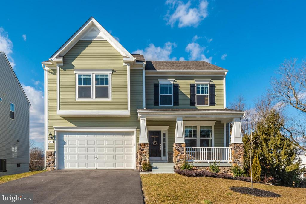 4 BD, 2.5 BA Colonial - Only 2 Years Old! - 104 PORTS CIR, WALKERSVILLE