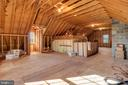 Unfinished attic offers many possibilities - 36704 SNICKERSVILLE TPKE, PURCELLVILLE