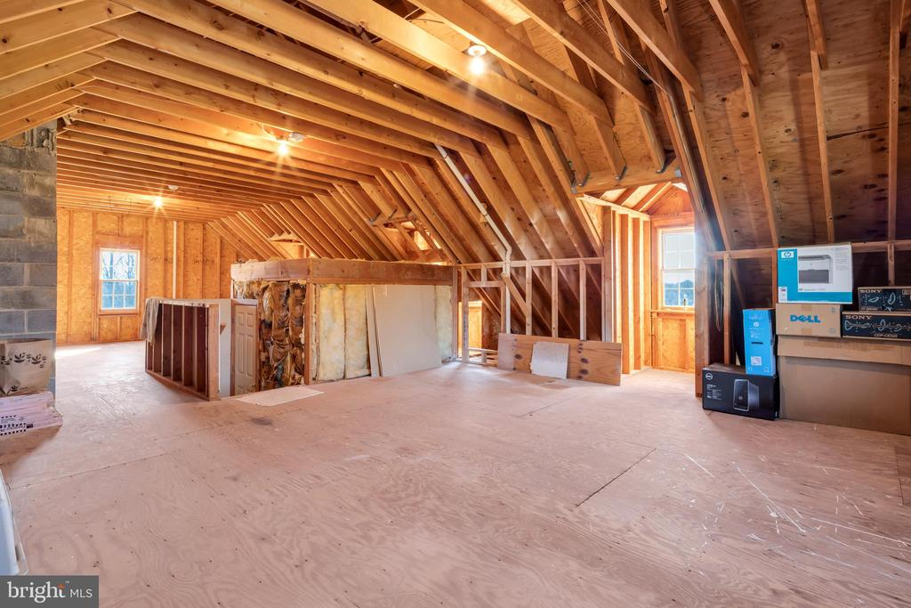Unfinished attic roughed in for heat and bath - 36704 SNICKERSVILLE TPKE, PURCELLVILLE
