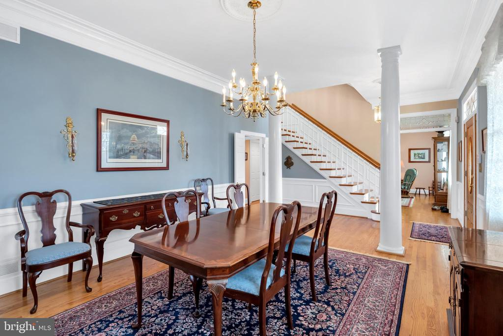 Formal Dining - 36704 SNICKERSVILLE TPKE, PURCELLVILLE
