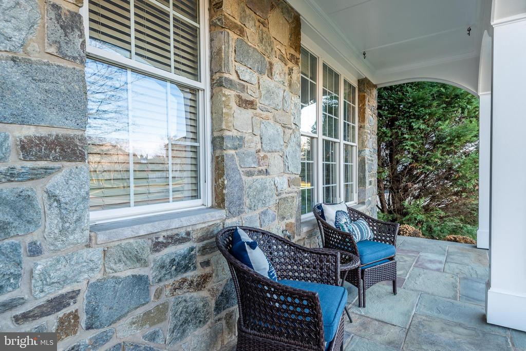 Stone and slate front porch - 25638 ELK LICK RD, CHANTILLY