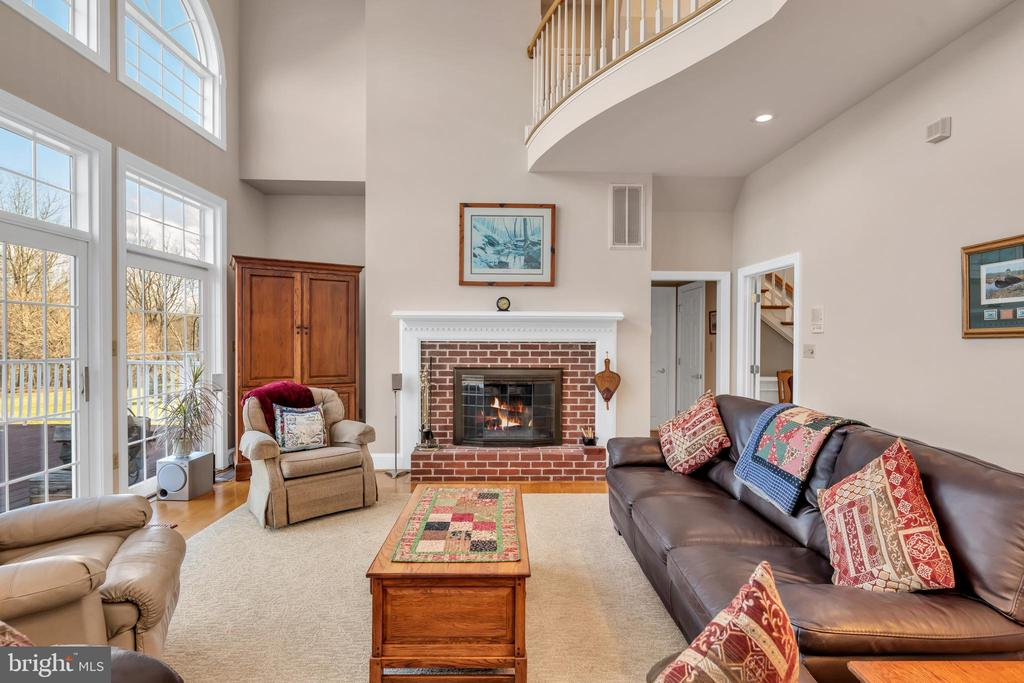 Family room - 36704 SNICKERSVILLE TPKE, PURCELLVILLE