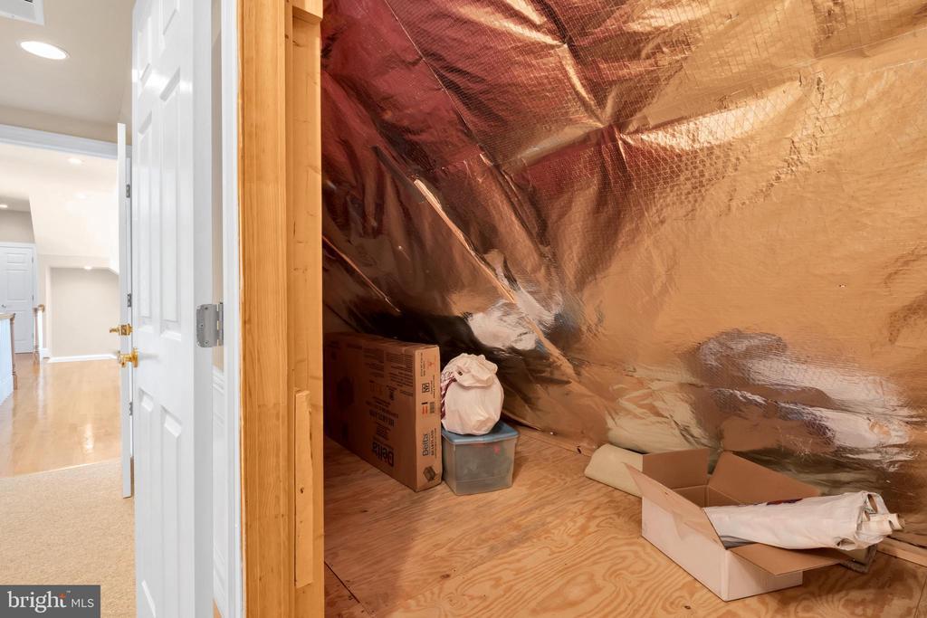 Storage - 36704 SNICKERSVILLE TPKE, PURCELLVILLE
