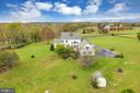 Six rolling acres of separation - 36704 SNICKERSVILLE TPKE, PURCELLVILLE