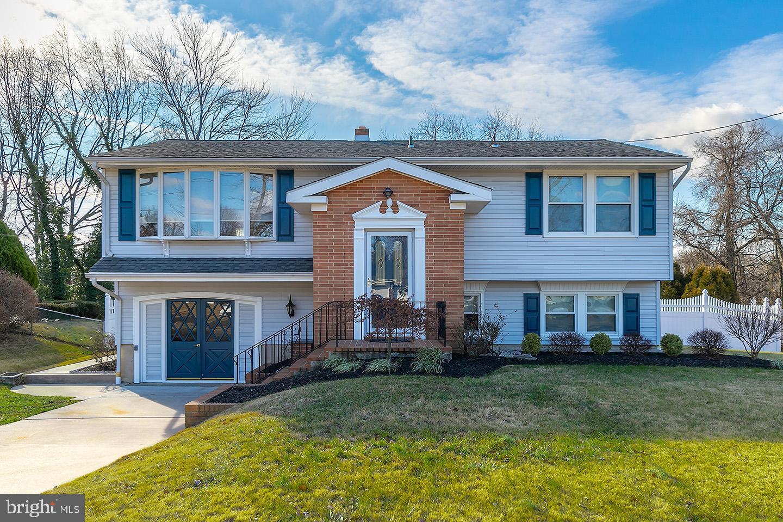 Single Family Homes для того Продажа на West Deptford, Нью-Джерси 08096 Соединенные Штаты