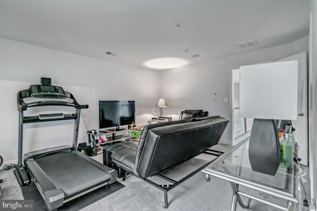 Princess Suite/ Workout Room w/En Suite - 11308 MARLBORO RIDGE RD, UPPER MARLBORO