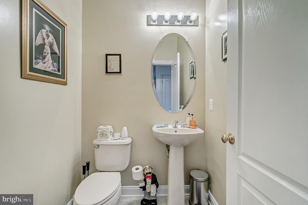 Half Bath main level - 11308 MARLBORO RIDGE RD, UPPER MARLBORO