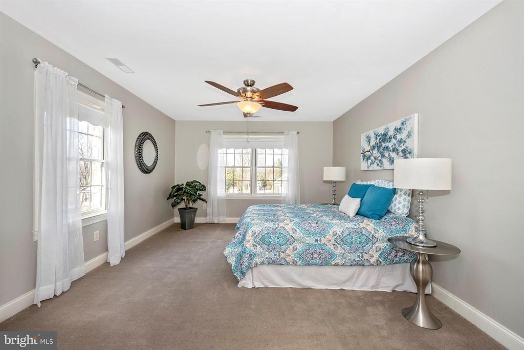 12' x 18' Master Bedroom - 10616 BRATTON CT, WILLIAMSPORT