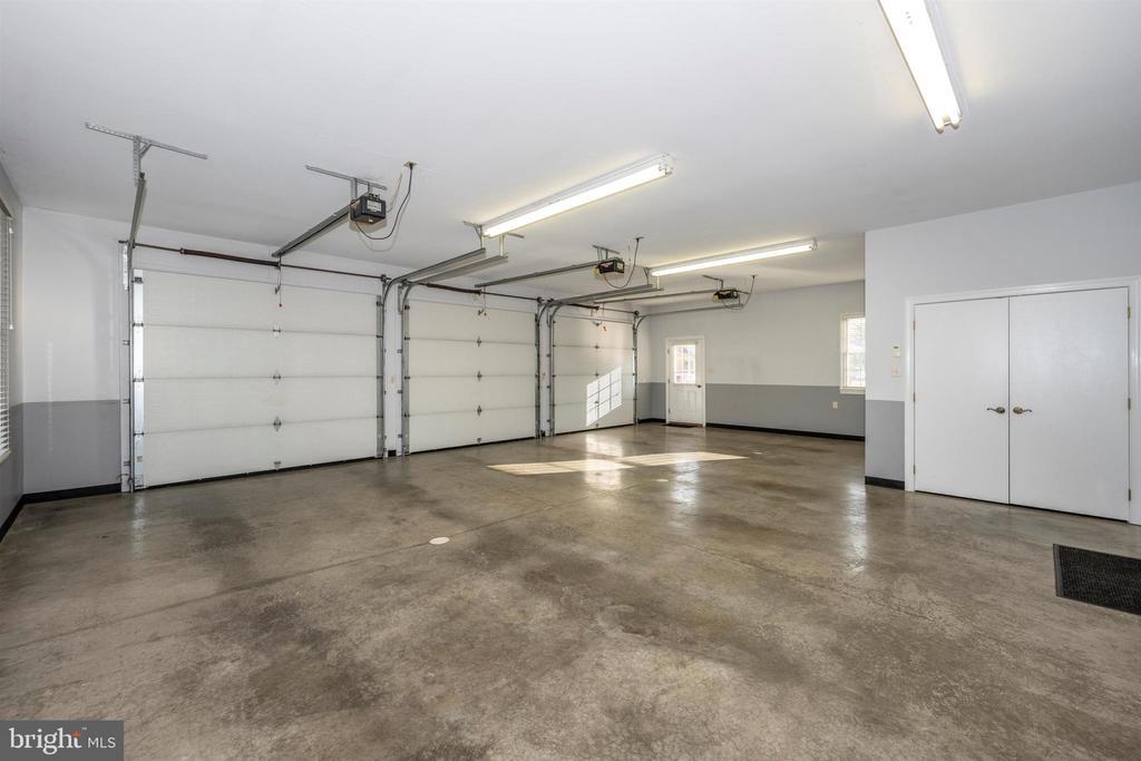 Attached garage~ w/ storage room - 10616 BRATTON CT, WILLIAMSPORT