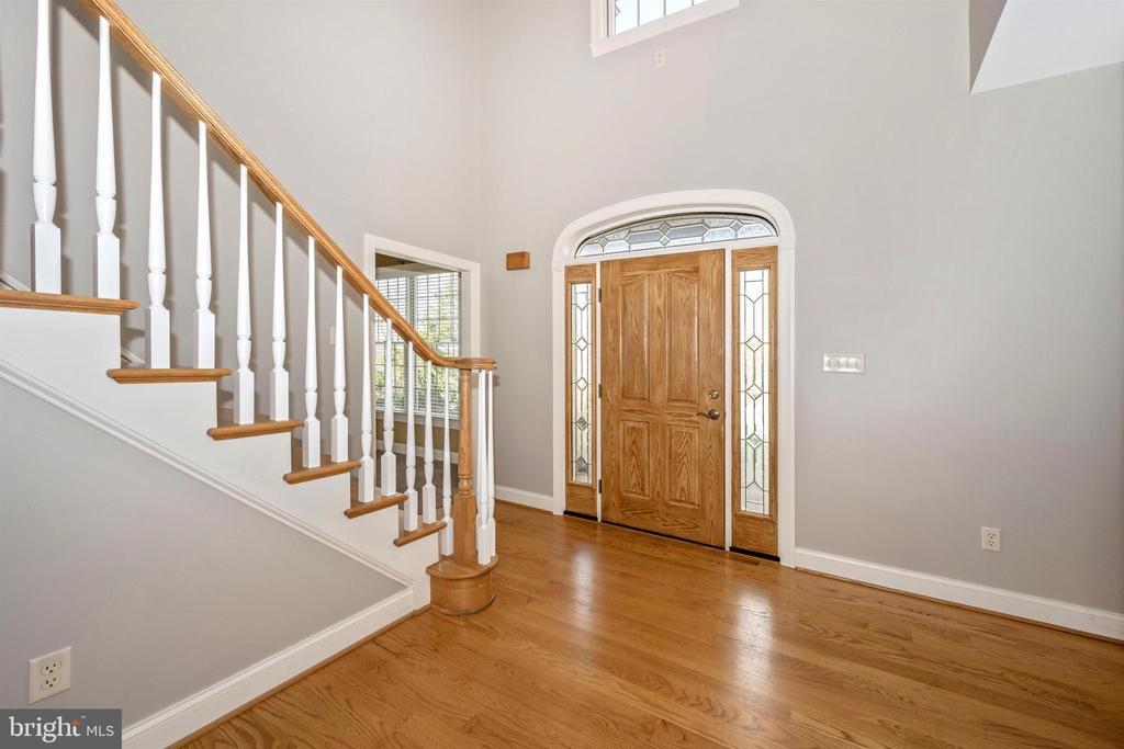 Hardwood floors welcome you - 10616 BRATTON CT, WILLIAMSPORT