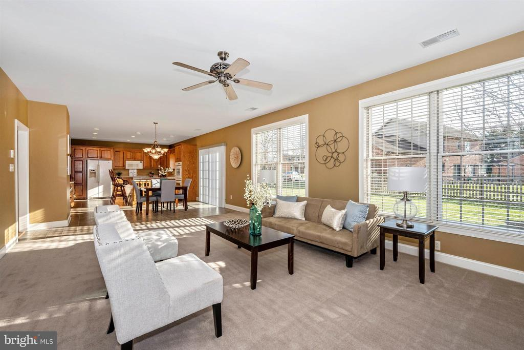 Great open flow from kitchen to family room - 10616 BRATTON CT, WILLIAMSPORT