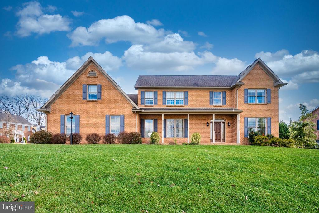 Welcome Home...Quality, ALL BRICK custom home. - 10616 BRATTON CT, WILLIAMSPORT