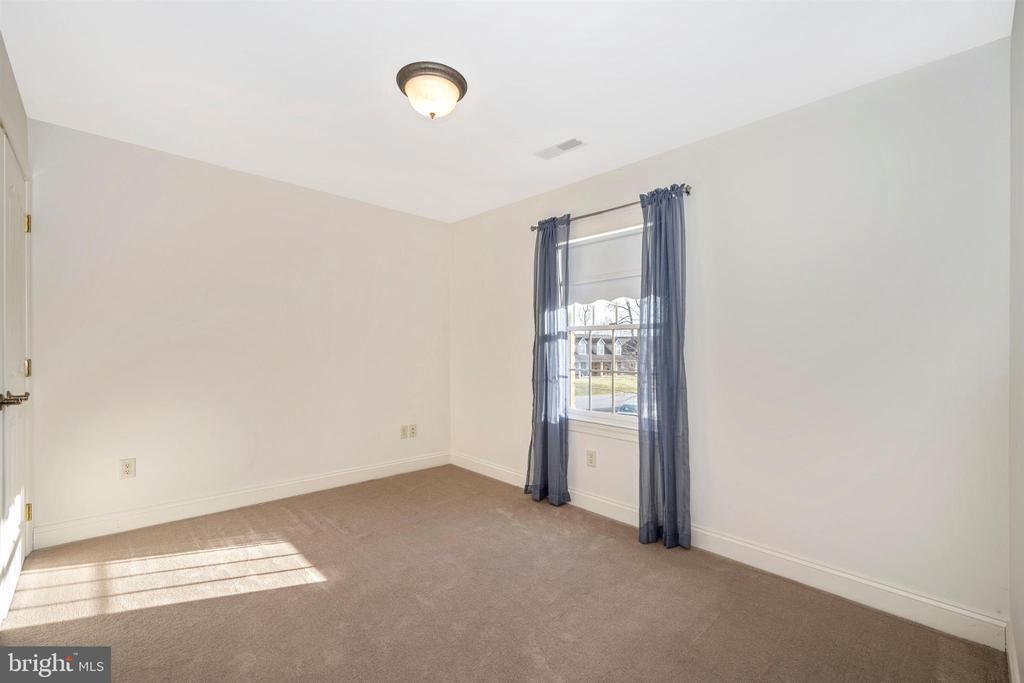 12' x 11' bedroom #4 - 10616 BRATTON CT, WILLIAMSPORT