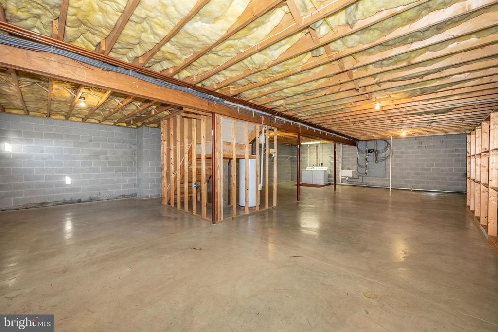 Basement can be finished for more living space - 10616 BRATTON CT, WILLIAMSPORT