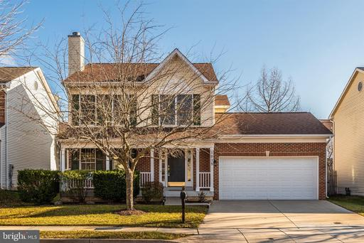 1039 CHINABERRY DR