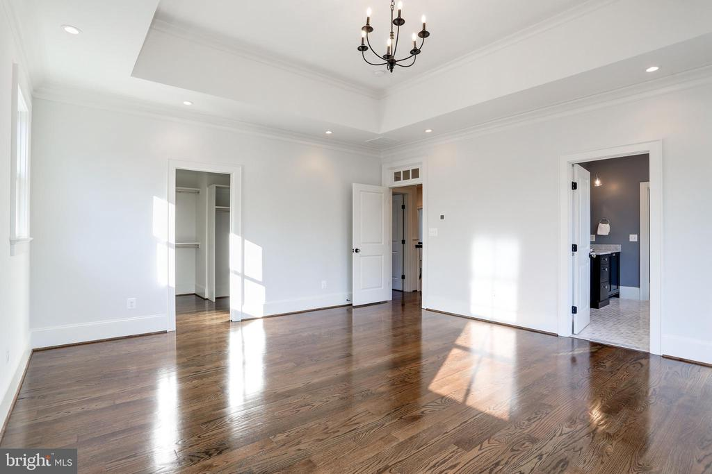 fanciful chandelier brightens wood floors - 3465 N EMERSON ST, ARLINGTON