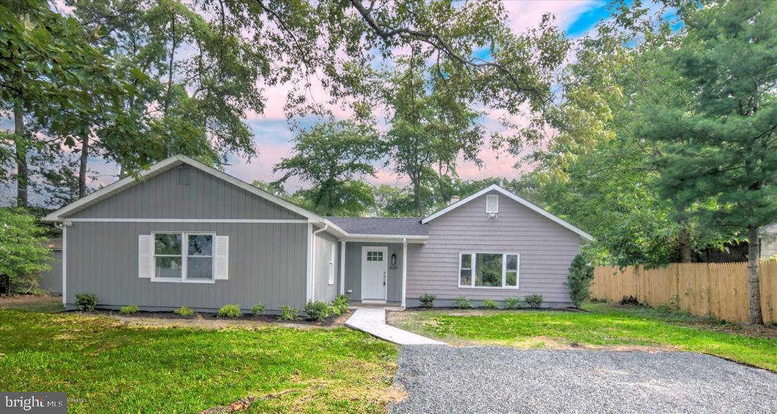 Single Family Homes للـ Sale في Lanoka Harbor, New Jersey 08734 United States