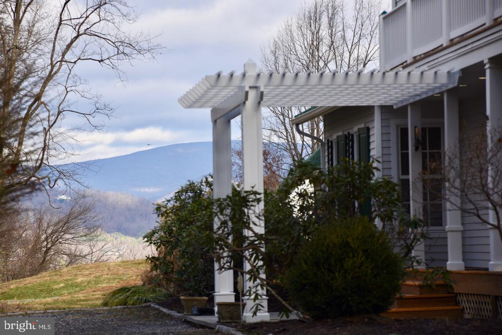 Front Porch View - 1628 F T VALLEY RD, SPERRYVILLE