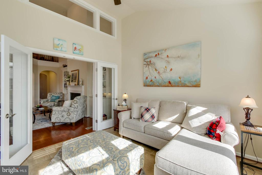 SUN ROOM OFFERS ADDITIONAL LIGHT - 2302 ROE LN, FREDERICK