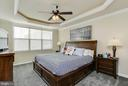 MAIN LEVEL MASTER BEDROOM W/ TRAY CEILING - 2302 ROE LN, FREDERICK