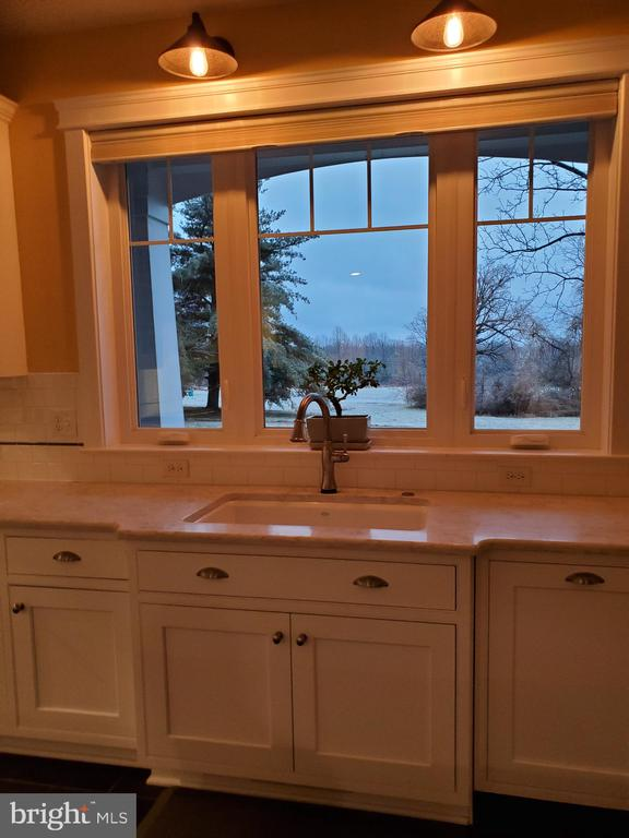 Kitchen has every lighting feature - 1504 MARKER RD, MIDDLETOWN
