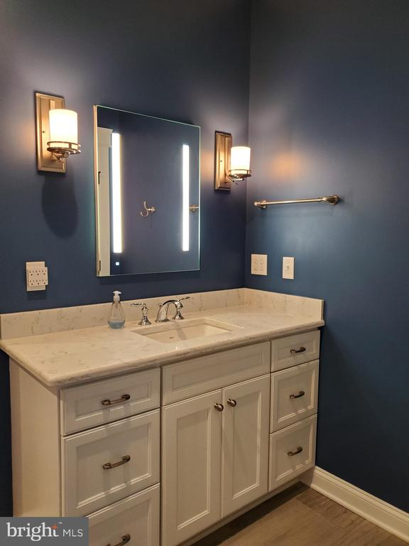 Master has lighted mirrors - 1504 MARKER RD, MIDDLETOWN