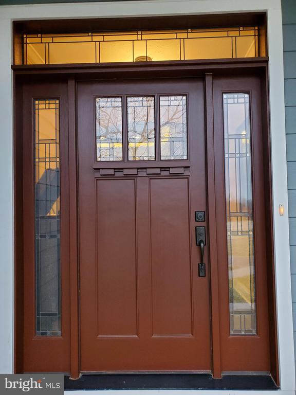 Front door has stained glass - 1504 MARKER RD, MIDDLETOWN