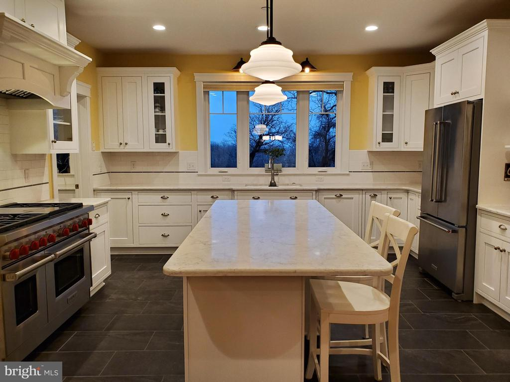 Wheelchair accessible kitchen - 1504 MARKER RD, MIDDLETOWN