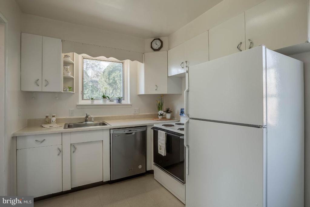 Dishwasher  2018 - 12602 VALLEYWOOD DR, SILVER SPRING